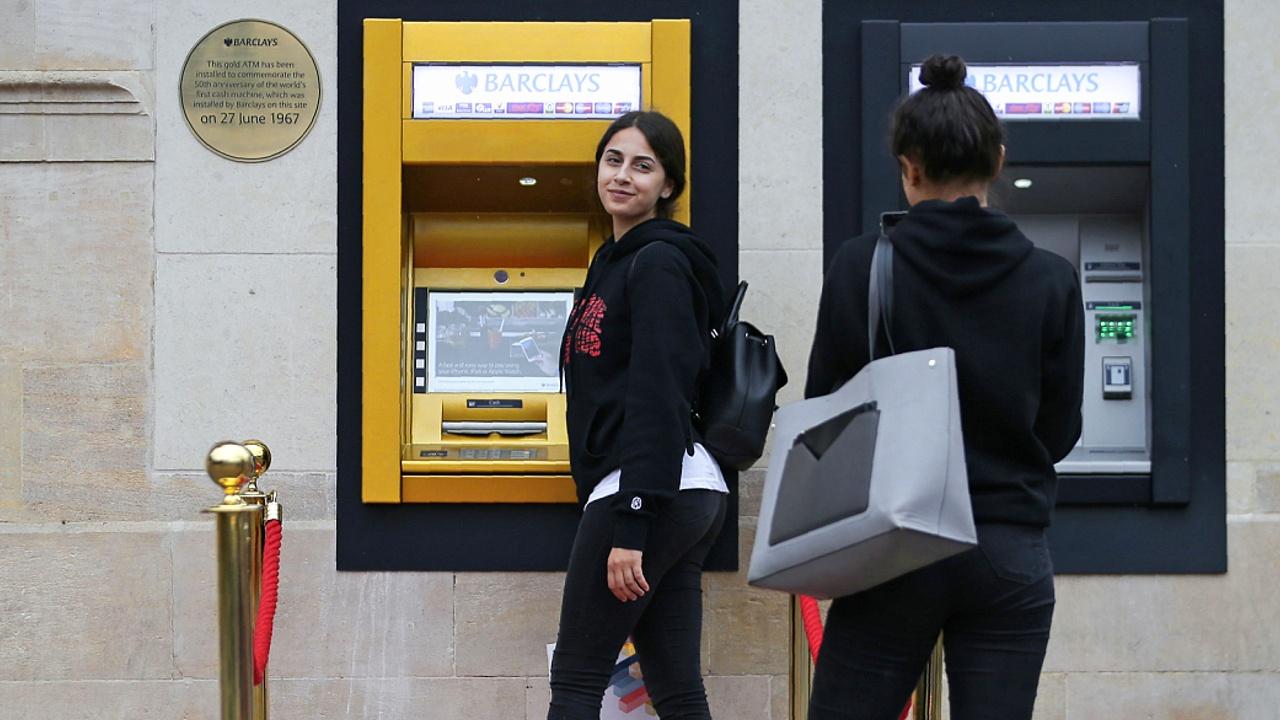 Первому в мире банкомату исполнилось 50 лет