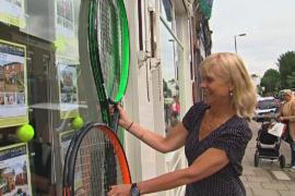 Жители Уимблдона готовятся встретить теннисный турнир