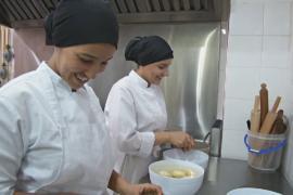 Марокко: безработных тренируют на шеф-поваров