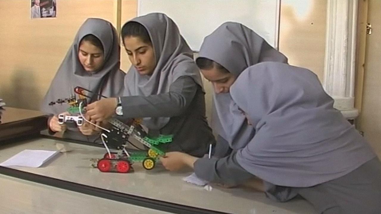 Афганок не пустили в США на конкурс робототехники