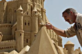 В Бургасе открылся Фестиваль песочных скульптур