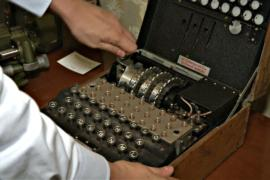 Шифровальную машину «Энигма» купили за 100 евро, а продали за 45 000