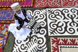 В Кыргызстане посвятили фестиваль традиционным войлочным коврам