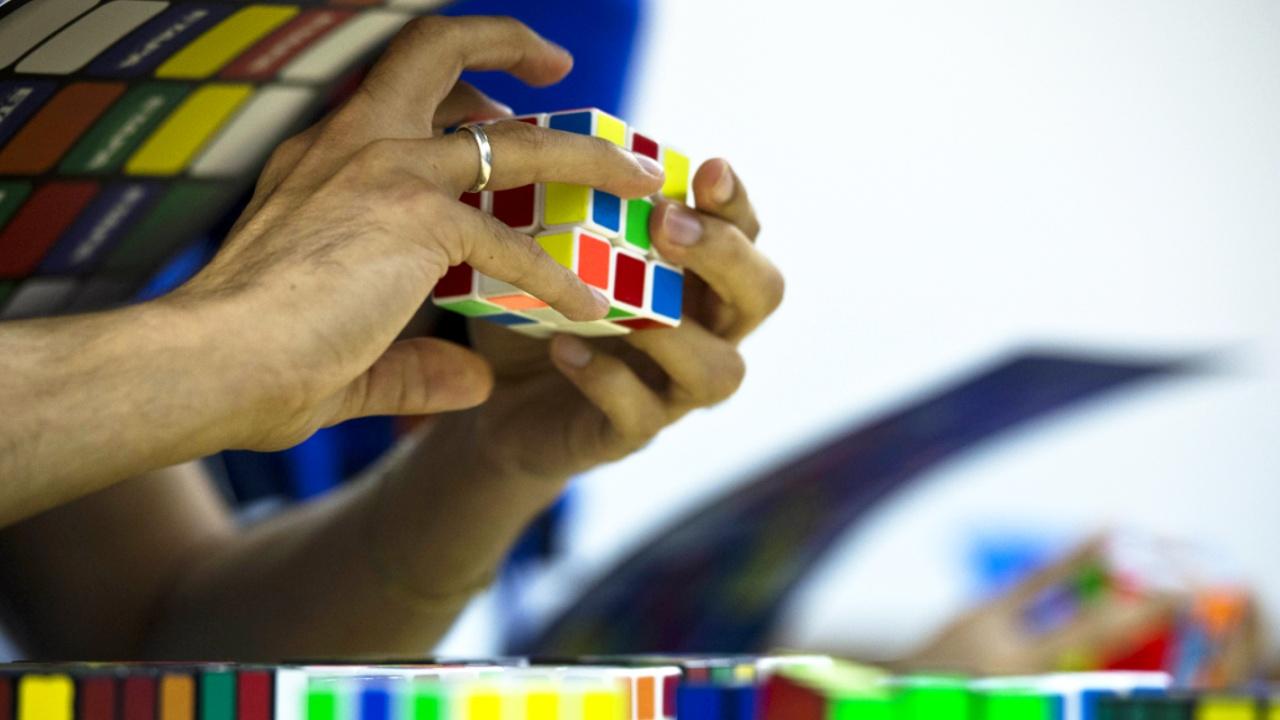 Во Франции прошел Чемпионат мира по сборке кубика Рубика