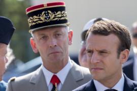 Эммануэль Макрон: бюджет армии в 2018 году сокращаться не будет