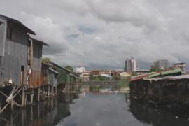 Зловонный канал распространяет болезни в столице Камбоджи