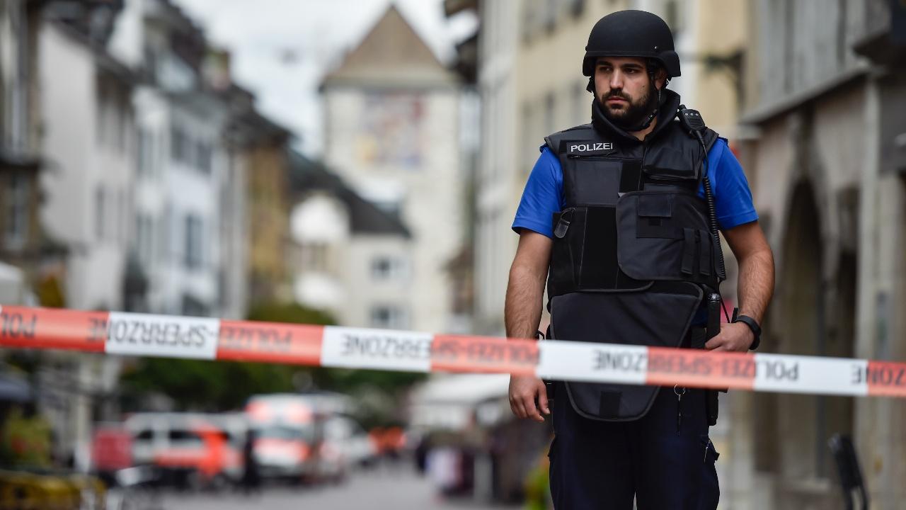Нападение с бензопилой в Швейцарии: преступника ещё не поймали