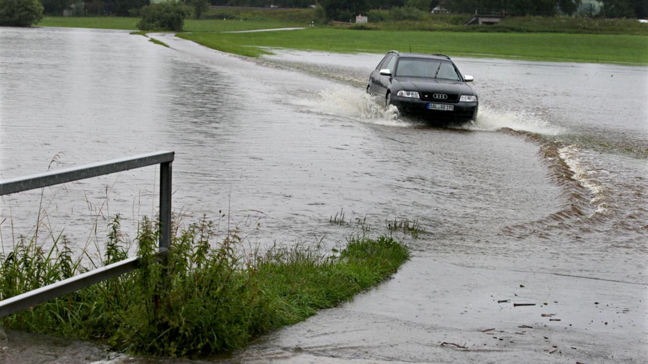 Нижнюю Саксонию затопило в результате ливня