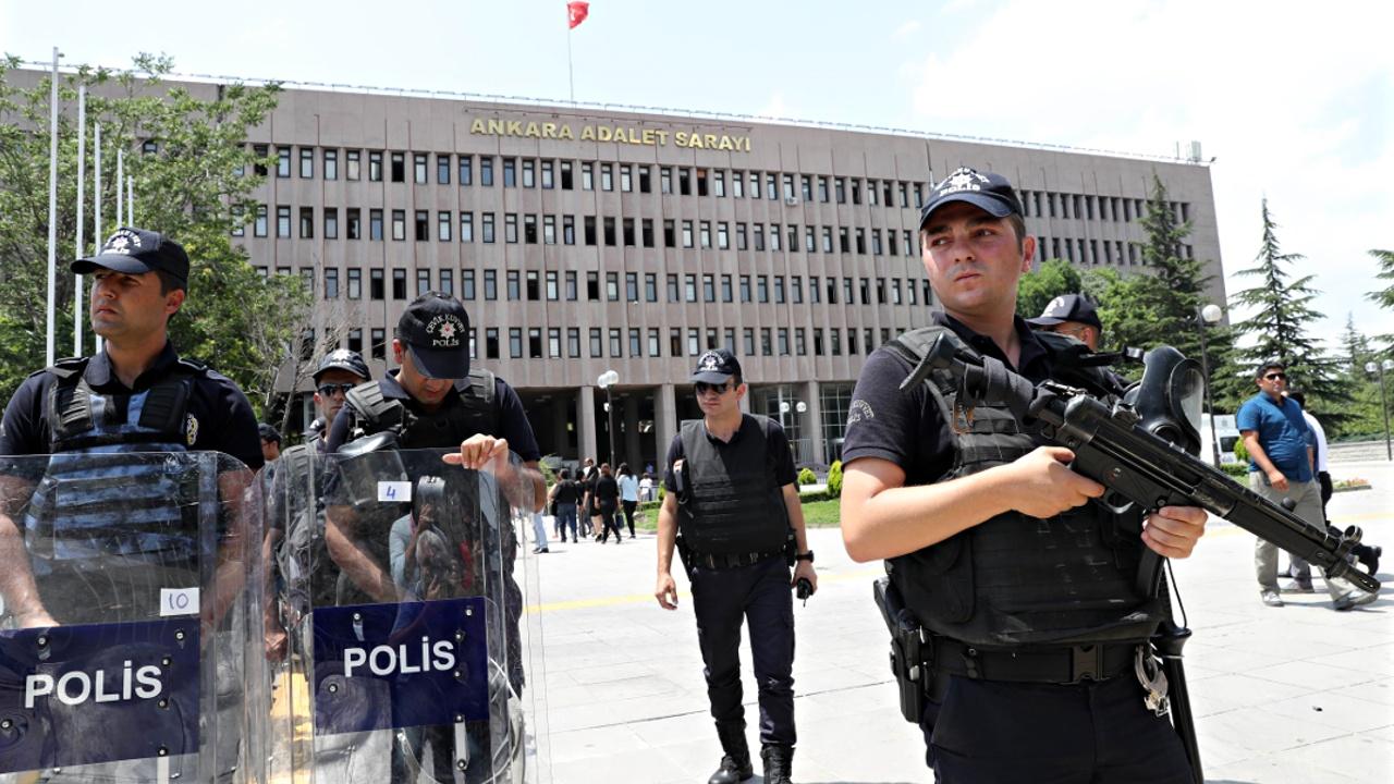 Турция продлила чрезвычайное положение ещё на 3 месяца