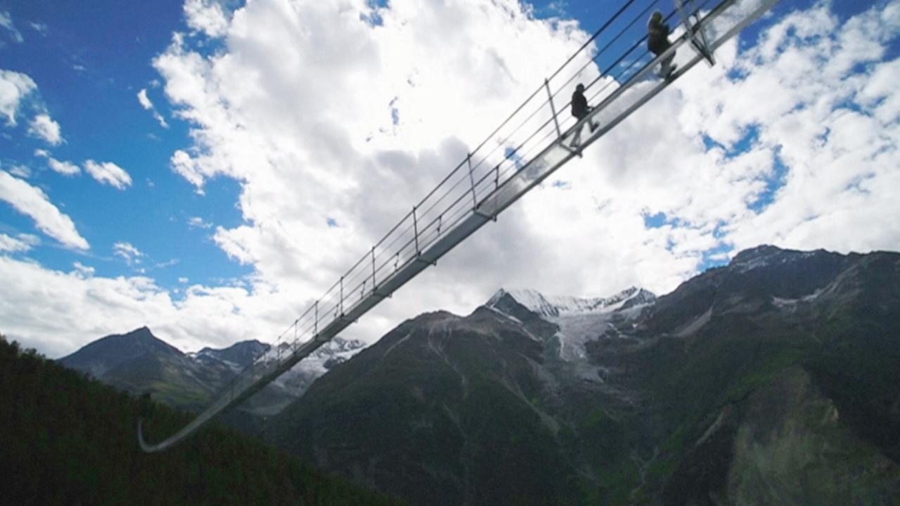 Новый висячий пешеходный мост в Альпах стал самым длинным в мире