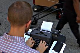 Нью-Йорк: поэзия на заказ на оживлённой улице