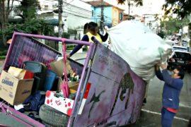 Бывшая наркоманка собирает мусор, чтобы очистить планету
