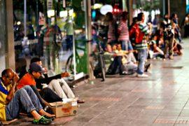 Венесуэльцы пытаются свести концы с концами в условиях кризиса