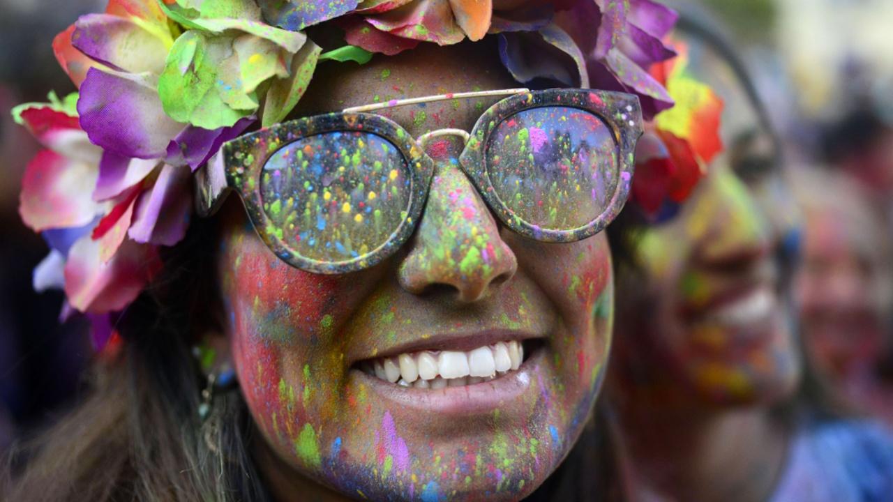 Как в Мадриде праздновали индийский Холи