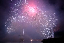 Фейерверк на Женевском озере: музыка, огни и 147-метровый фонтан