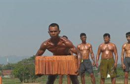 Как индонезийские рабочие превращаются в культуристов