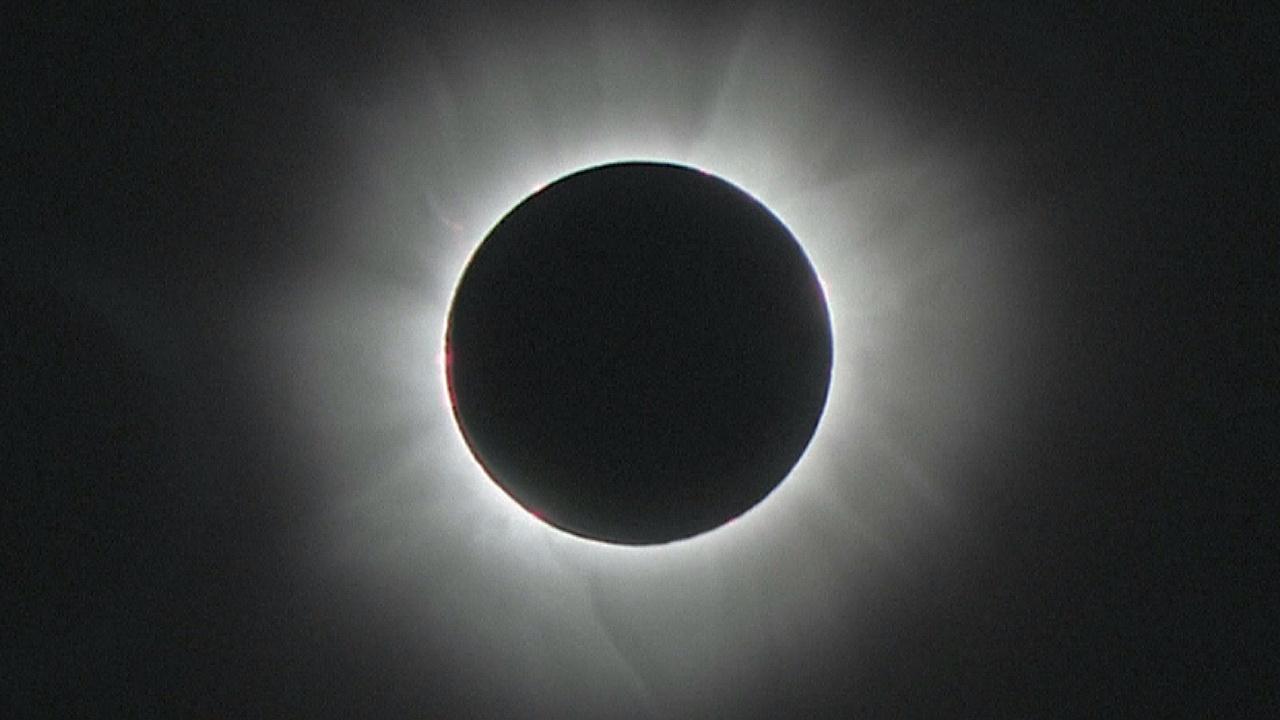 Американцы готовятся к полному затмению Солнца