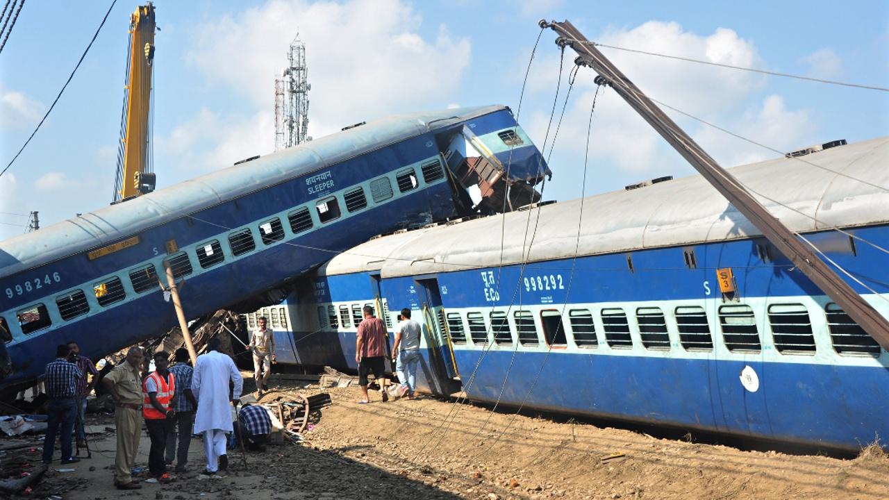 Железнодорожная авария в Индии: не менее 23 жертв, более 200 пострадавших