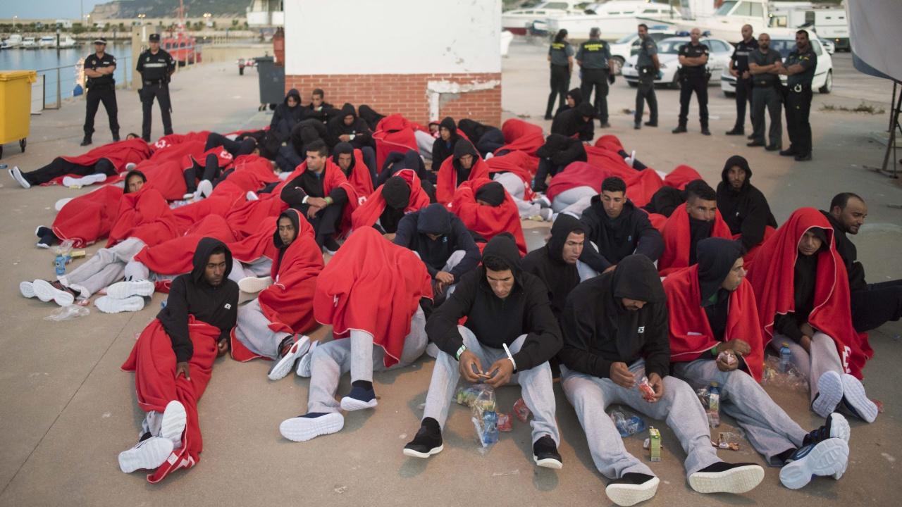 МОМ: Испании угрожает миграционный кризис, как в Греции и Италии