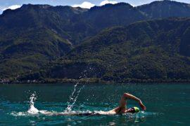 Пловцы-любители пересекли 70-километровое Женевское озеро
