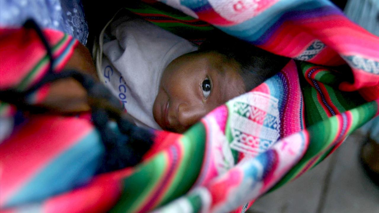Традиционных акушерок в Боливии обучают западной медицине