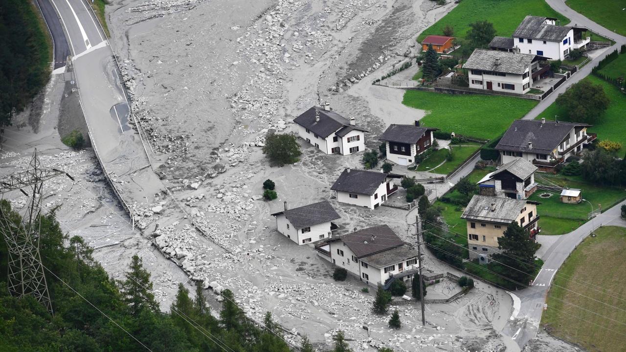 Оползень в Швейцарии: 8 пропавших без вести
