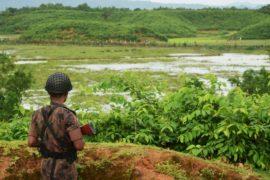 В Мьянме эвакуируют людей из-за вооружённого конфликта с рохинджа