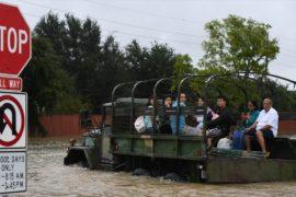В затопленном Хьюстоне ввели комендантский час