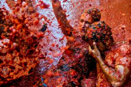 Помидорные сражения разгорелись в испанском городе Буньоль