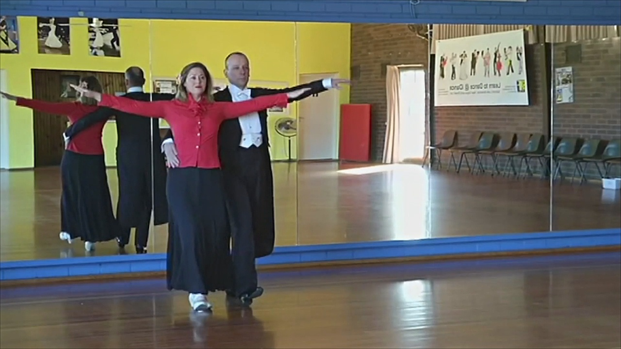 Австралийка восстанавливается после травмы с помощью бальных танцев