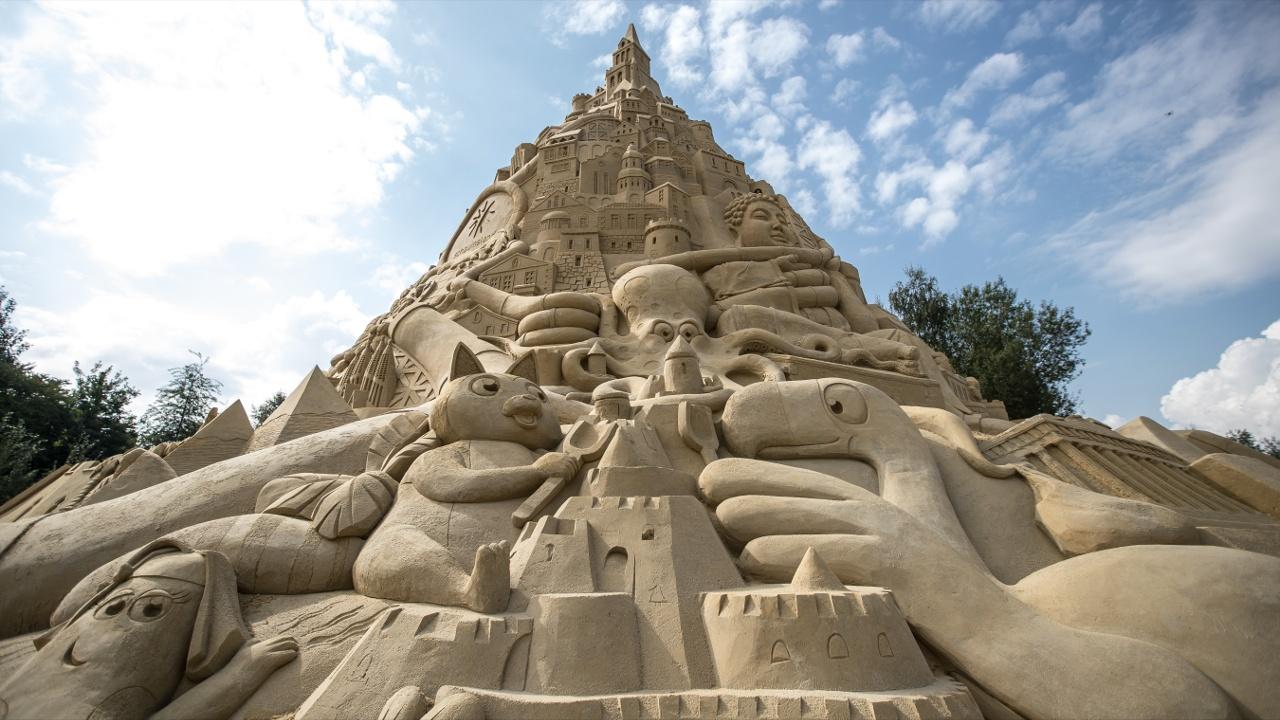 В Германии построили самый высокий замок из песка