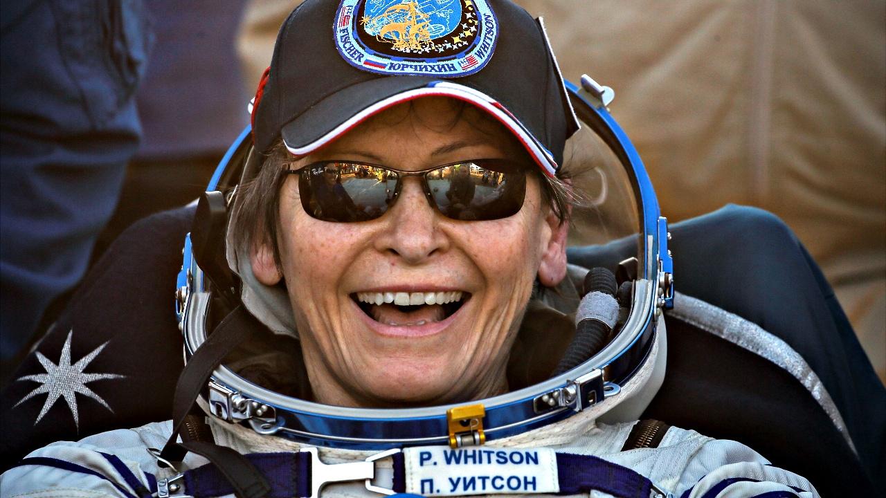 Астронавтка-рекордсмен Пегги Уитсон вернулась на Землю с экипажем МКС