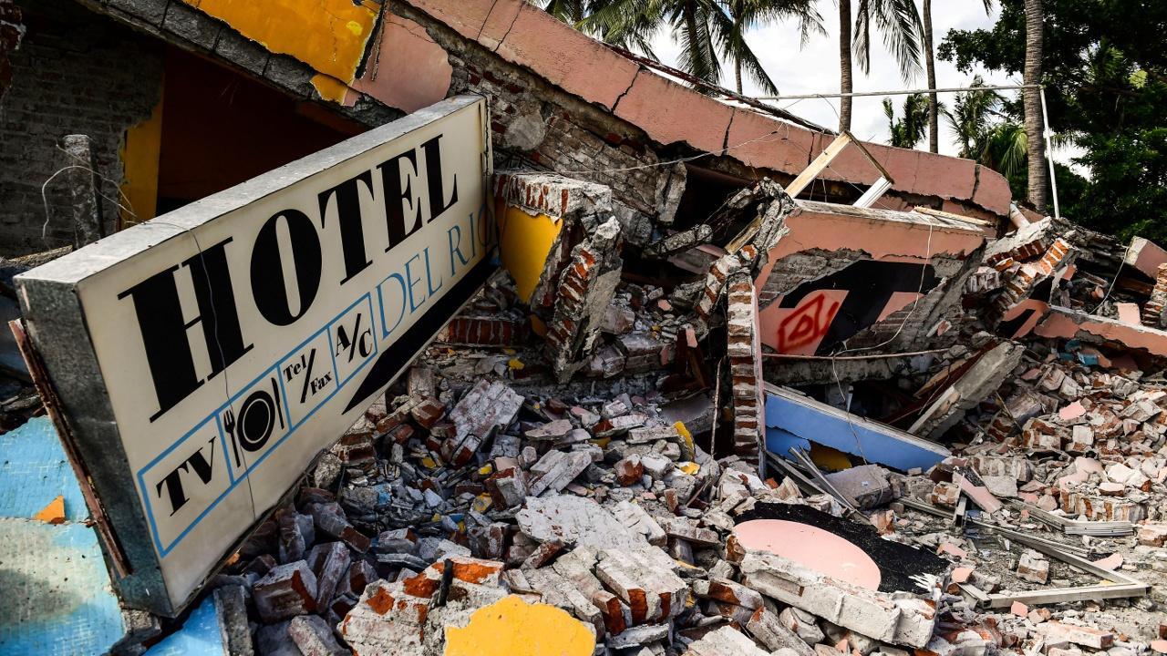 Мексиканский Хучитан стоит в руинах, жители ждут помощи