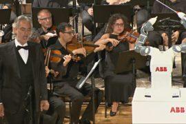 Как робот успешно дирижировал оркестром в Италии