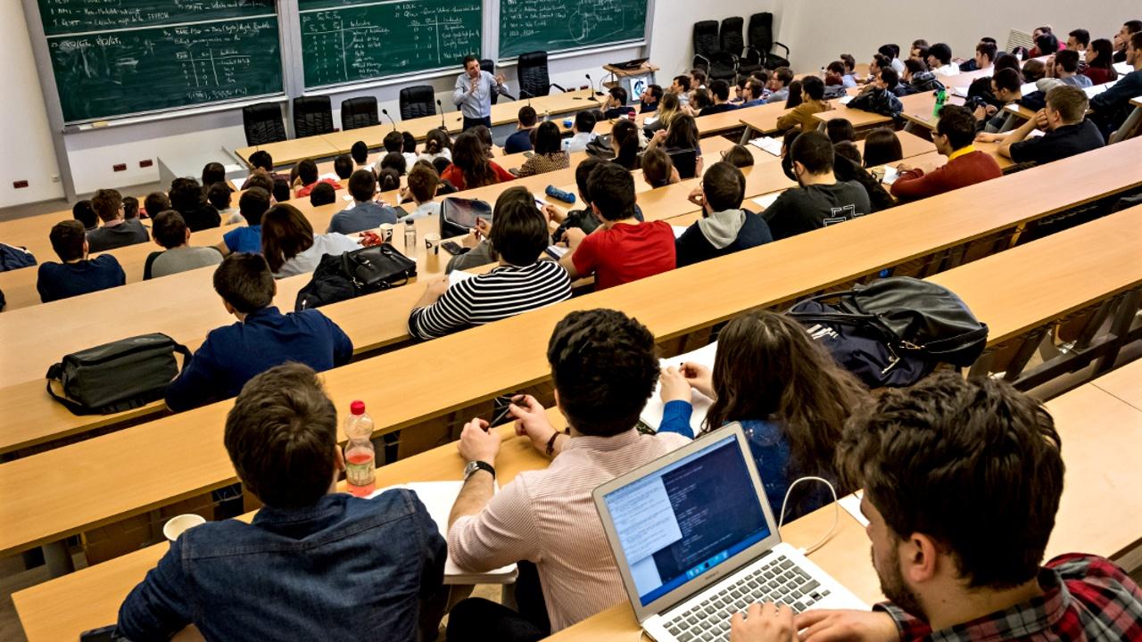В британские вузы поступает всё меньше студентов из ЕС