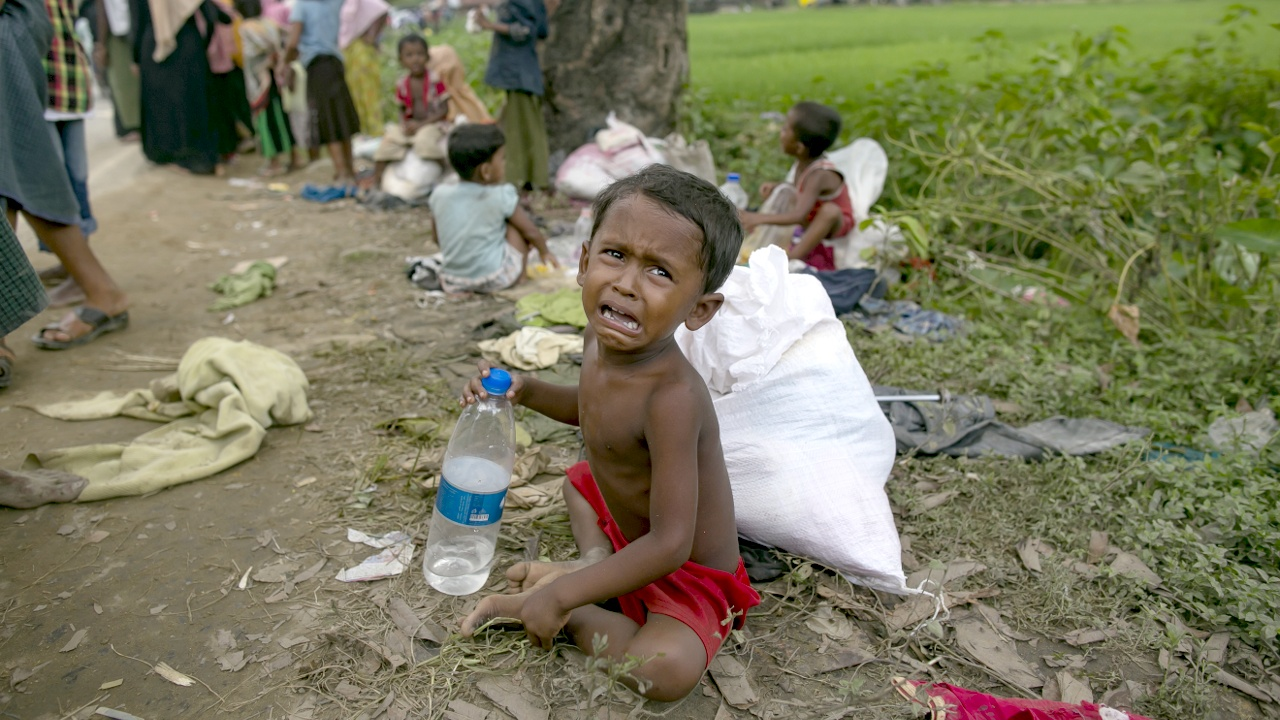 200 тыс. детей рохинджа оказались в беде в лагерях для беженцев