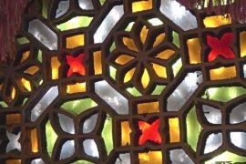 Витражные полукруглые окна – изюминка йеменской архитектуры