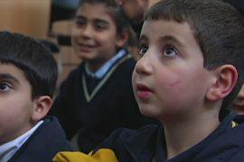 Школам не хватает средств на обучение детей сирийских беженцев