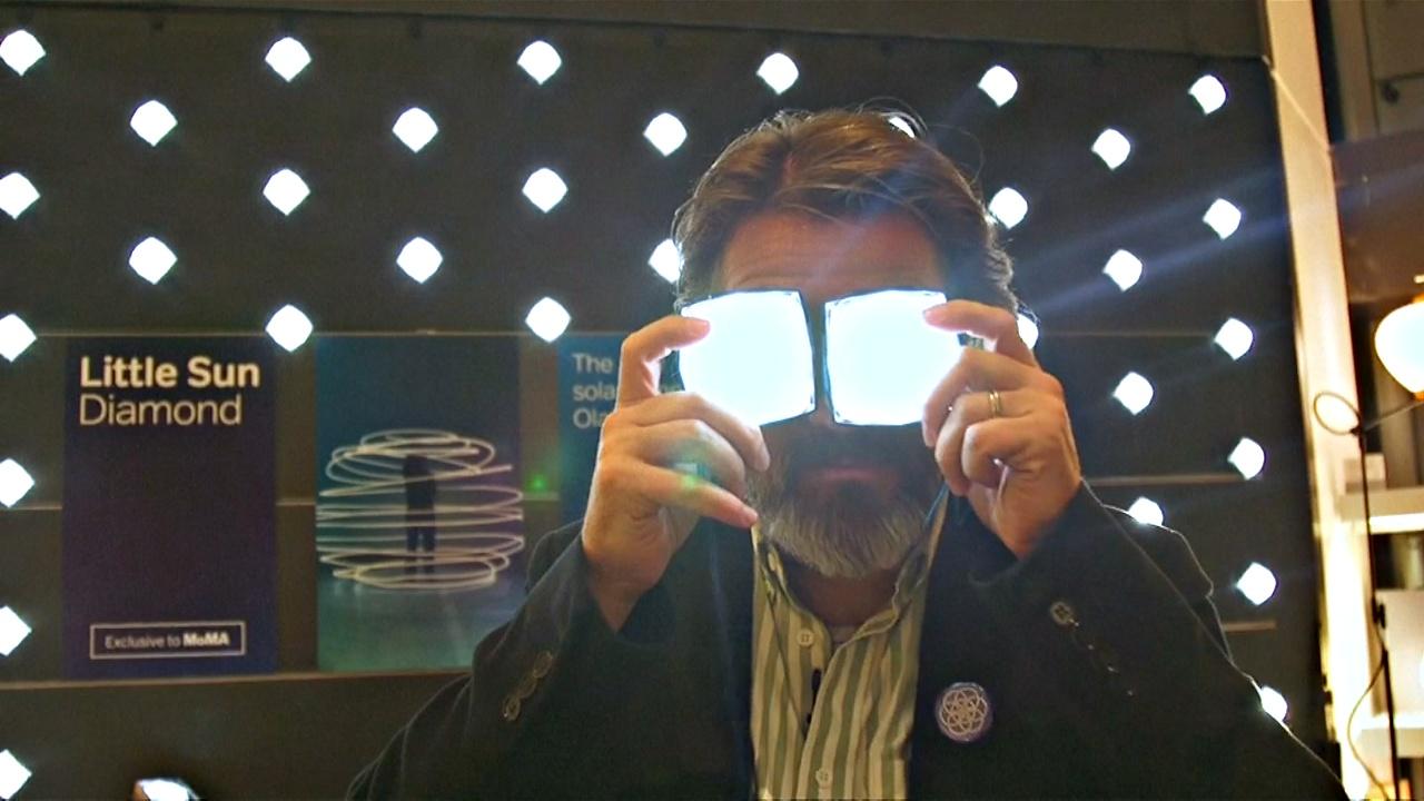 Олафур Эллиасон представил третью версию своей знаменитой эко-лампы «Маленькое солнце»