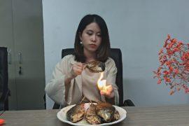 «Офисный шеф-повар» из Китая стала звездой Интернета