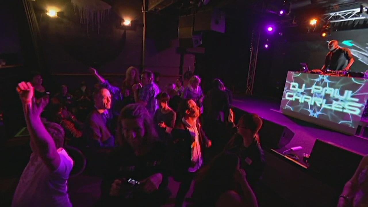 Для людей с отклонениями в развитии устроили дискотеку в Австралии