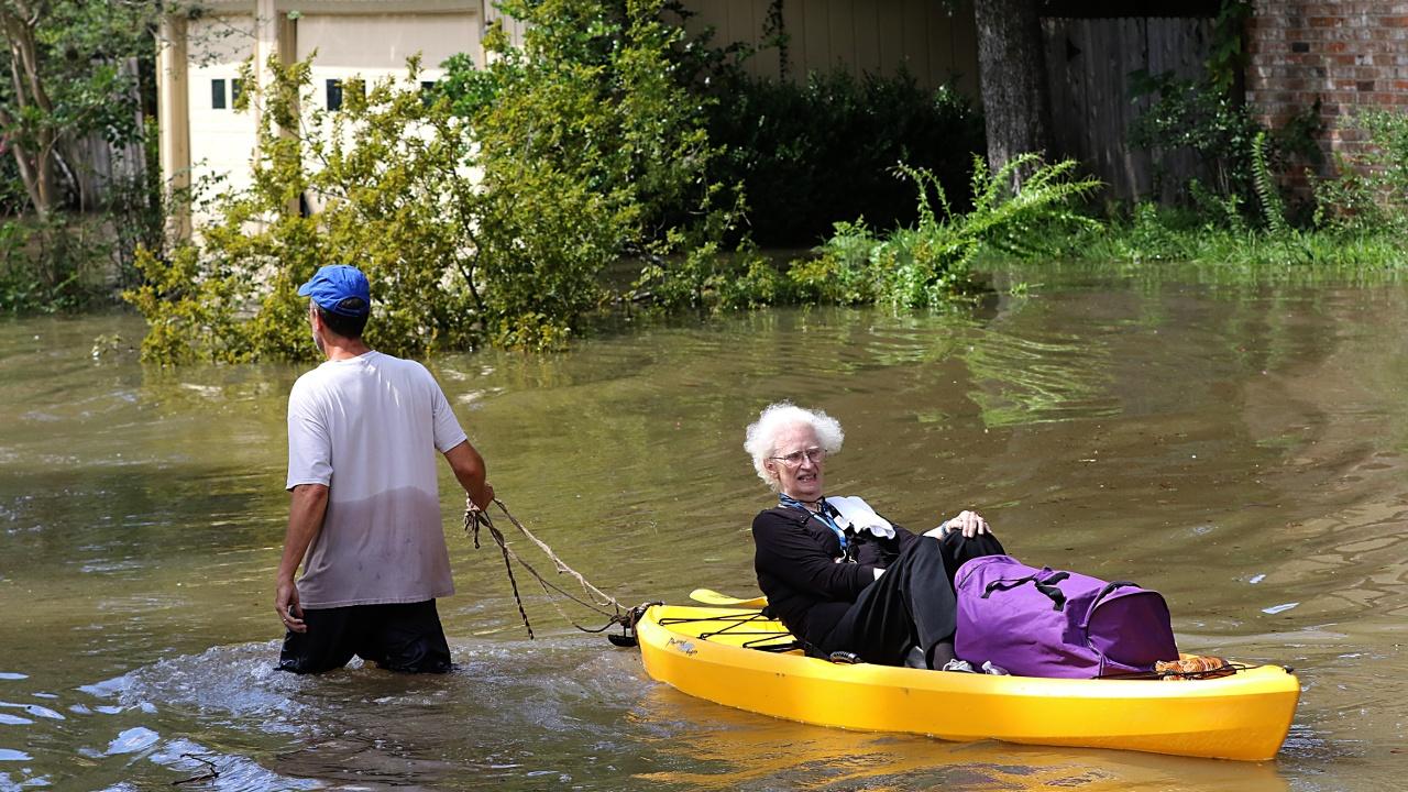 Техас: эвакуация жителей и взрыв на химзаводе