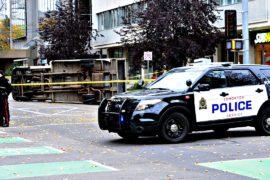 Нападения с ножами во Франции и Канаде