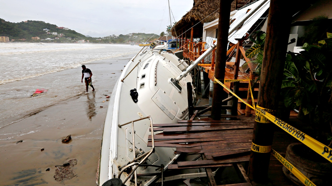 Ураган «Нейт» ударил по США