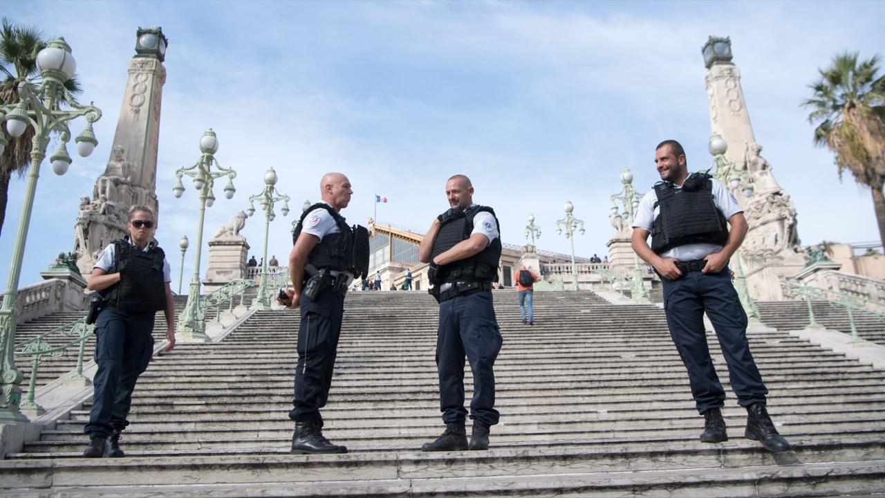 Из Швейцарии депортируют родственников тунисца, убившего в Марселе двух женщин
