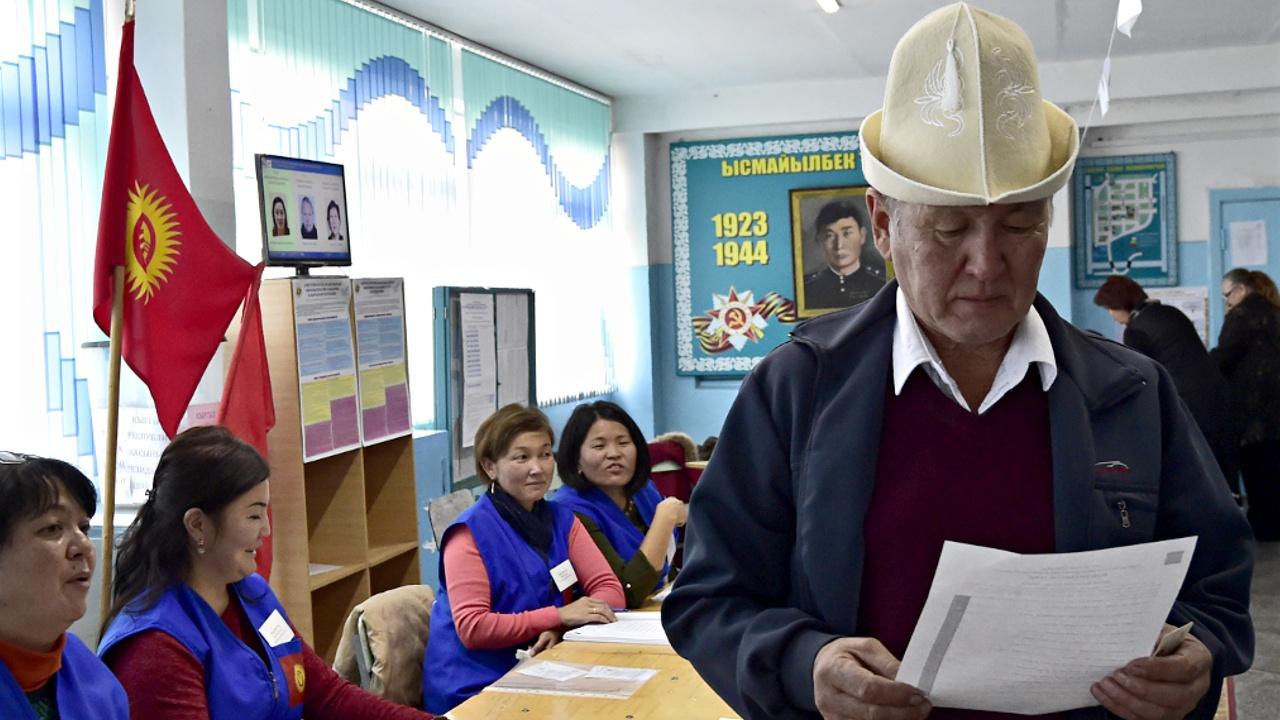 На выборах президента в Кыргызстане победил преемник президента