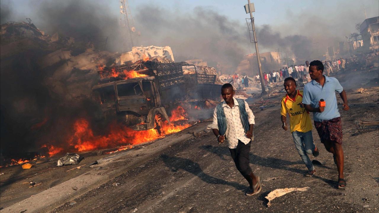 Сомалийцы протестуют против взрывов в Могадишо