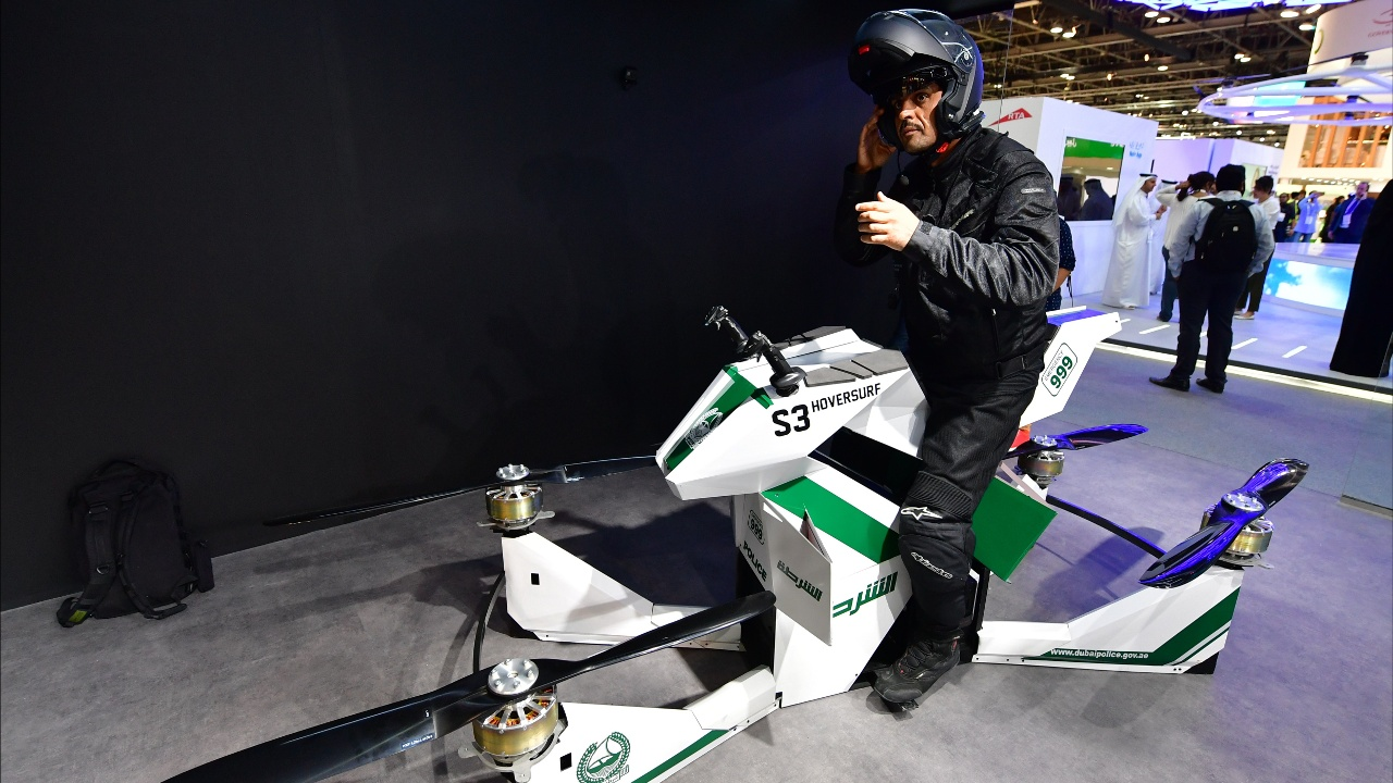 Воздушное такси, летающие мотоциклы и пожарные дроны на выставке в Дубае