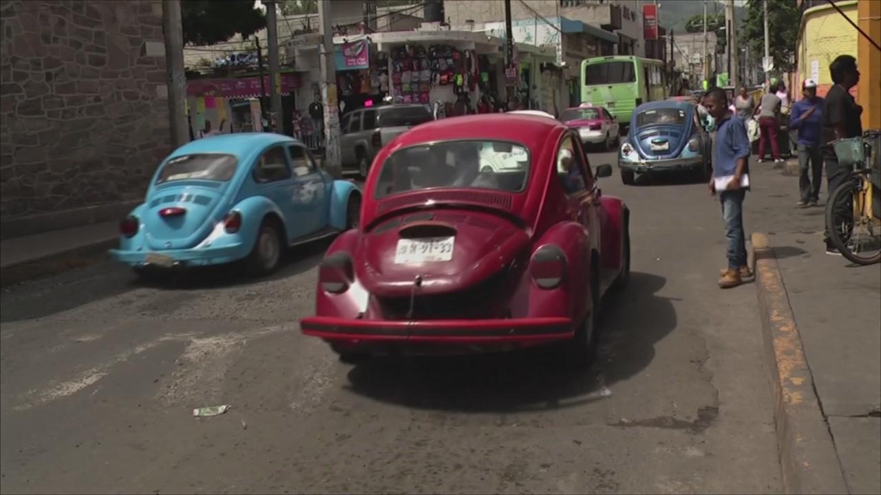 Снова в строю: легендарные Volkswagen «жук» заменили такси в Мексике