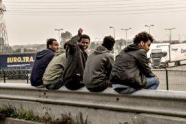 Год без «Джунглей»: в Кале продолжают жаловаться на мигрантов